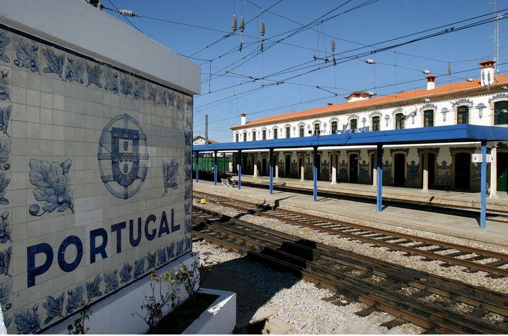 João Alves de Sá | Estação Ferroviária de / Railway station of Vilar Formoso | 1936 #Azulejo #AzulejoDoMês #AzulejoOfTheMonth #JoãoAlvesDeSá #VilarFormoso