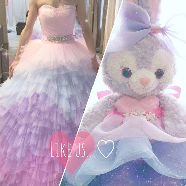 * 花嫁さん手作りのふわふわドレスを着た #ステラルー のぬいぐるみが可愛い✨ * なんとこちらのドレス、 花嫁さんがお色直しで着る#カラードレス と おんなじデザインでdiyしたんだそう スワイプして2枚目をご覧ください凄すぎます! * こんなに可愛い#ウェルカムドール を 飾っておいたら、 ゲストみんなの人気者になりそうです✨ * photo by @mii_wedding5 #プレ花嫁#卒花#卒花嫁#ウェルカムアイテム#ウェディングドール#ウェルカムスペース#手作りドレス#お色直し#カクテルドレス#2017冬婚#2018春婚#2018夏婚#プロポーズ#婚約#結婚式準備#結婚式diy#花嫁diy#marryxoxo