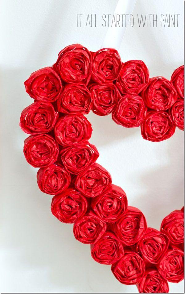 17 Diy Valentine S Day Wreaths To Make Valentines Pinterest