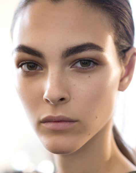 Beauty Trends: The Return of Bushy Eyebrows