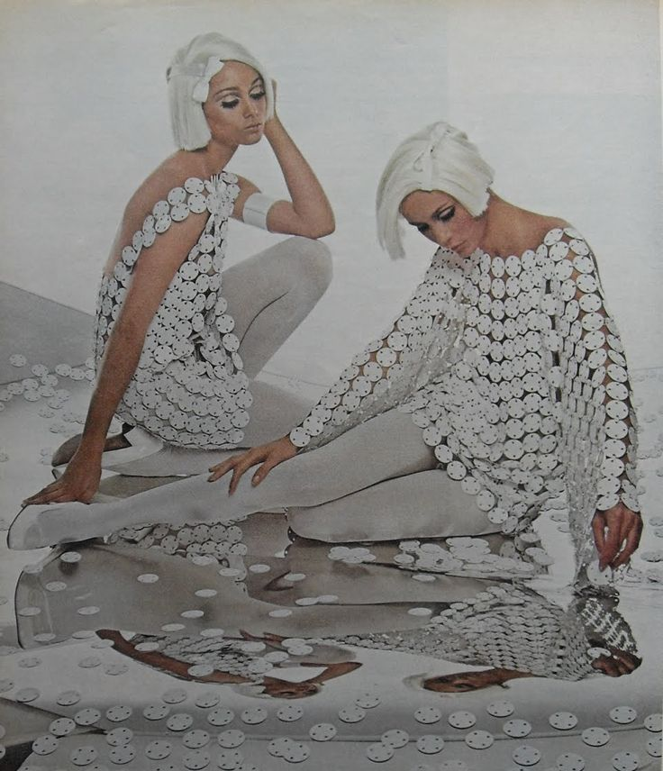 vintage everyday: Mod girls in white: 1960s style