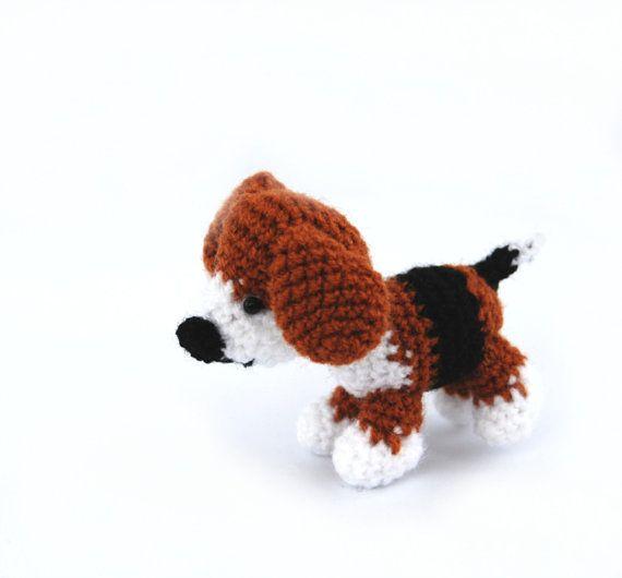 BEAGLE dog, crochet little dog, gift for dog lovers, small amigurumi animal, crochet pet, joy and fun dog, softie doggy tiny puppy doll gift