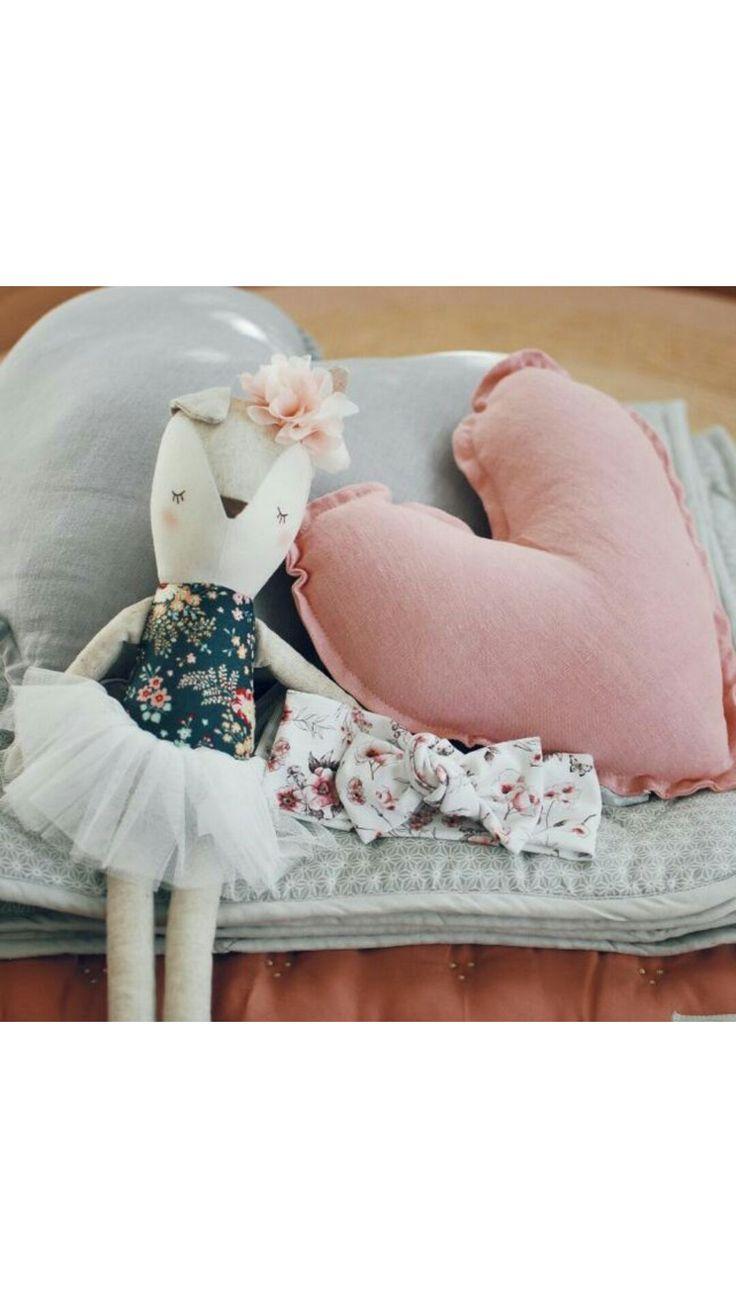 Lulu and milly Aw17 collection blossom headband. Knit headband girls headband. Decor by sweetlittledreams.com.au