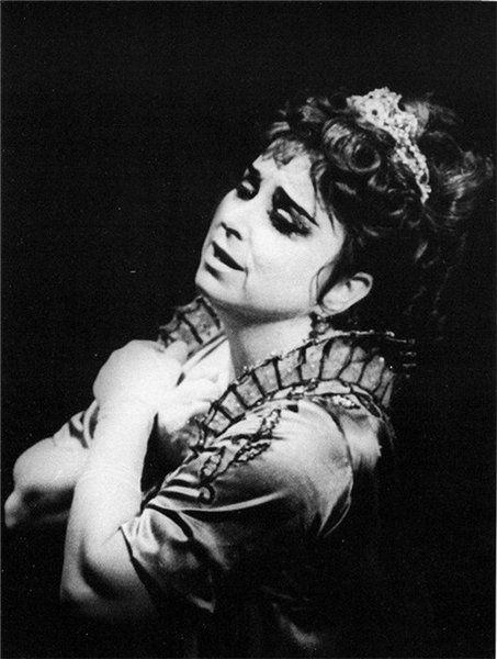 "Tamara Milashkina   in the party of Floria Tosca  in the Opera ""Tosca""  by Giacomo Puccini.  Тамара Милашкина в партии Флории Тоски в опере «То́ска» Джакомо Пуччини."