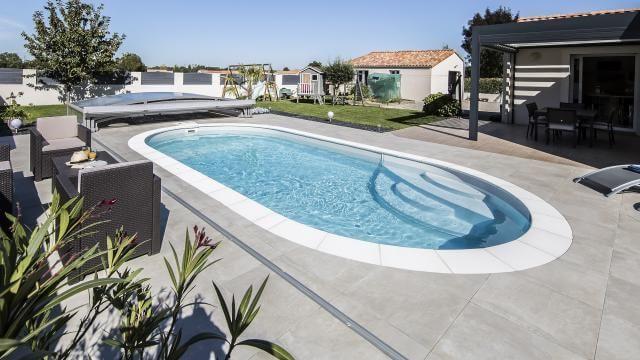 Lola Mini Pool The Small Pool That Suits Everyone Waterair Swimming Pools In 2021 Oval Pool Pool Oval Swimming Pool