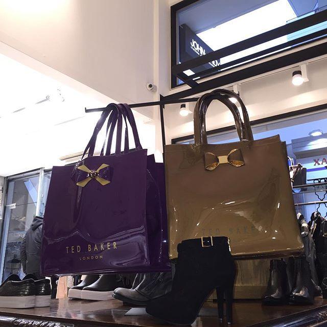 #johnandy #tedbaker #totebag #sale #call_for_orders  #00302109703888  https://www.john-andy.com/gr/women/bags/totes.html