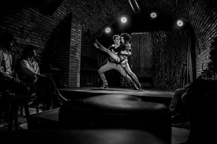 SPARKLING CABARET - Anta Agni Show. photo: Valentina Nidelova http://antaagni.com/sparkling-cabaret-show/