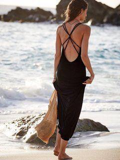 女性の夏には必須 悩ましい背中ニキビのケア方法