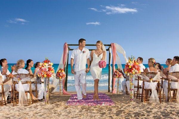 nowrc-wedding-people-2EBB198B1-DE86-EFBB-5D16-22EE1518C04E.jpg