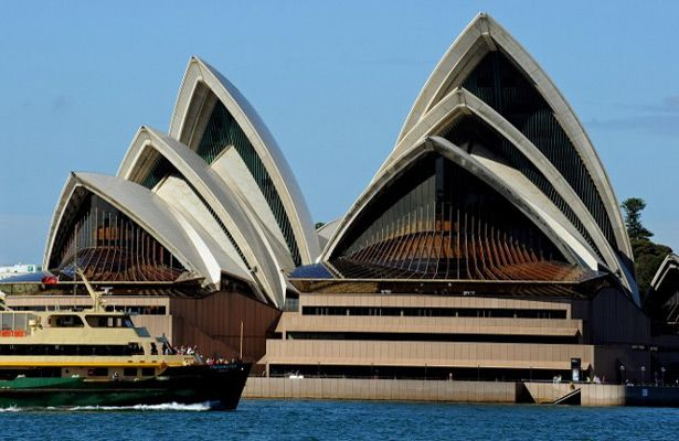 The Sydney Opera House will host the draw for the AFC Asian Cup Australia 2015 on March 26, 2014. Photo: AFP.
