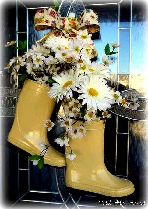 flower boot door wreath   #repurpose #garden #diy