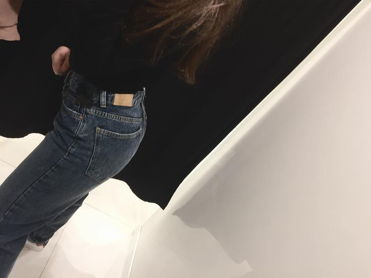 i was gonna buy them but.. • • • • • • #jeans #bershka #style #fashion #denim #l4l #f4f #ootd #shopping #russia #girl #tumblr #aesthetic #90s #black #dark #theme #soft #grunge #лайкнименя #лайк #подписка #подпискавзаимная #подписказаподписку #стиль #бершка #девушка #модель #스타일 http://butimag.com/ipost/1560946074919075242/?code=BWpmC9VF32q