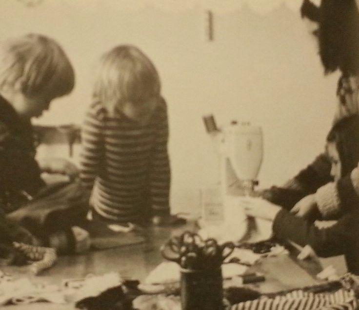 Barn gillar att göra Kalikå dockor