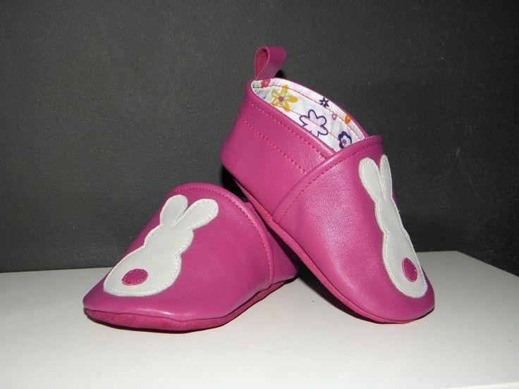 tuto chausson en cuir avec lien vers le patron - taille 0-3 mois à la pointure 30