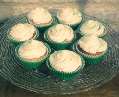 Cupcakes con motivo de San Patricio.  Saint Patrick's cupcakes.