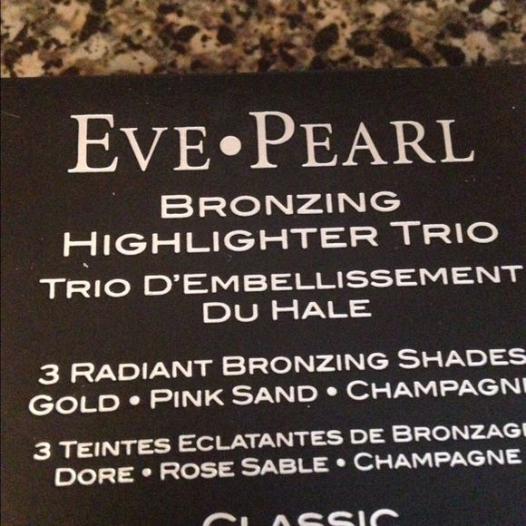 Eve Pearl Bronzing Highlighter Trio Brand new Eve Pearl Makeup Bronzer