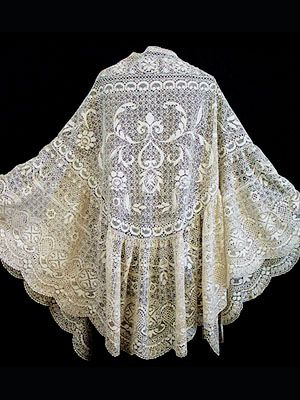 I think I need one of these!    Handmade Maltese silk lace, triangular-shape shawl, c.1860