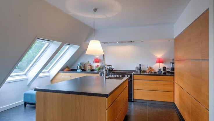 25 beste idee n over kastruimte op pinterest slaapkamer kast organiserend slaapkamer kasten - Idee outs semi open keuken ...