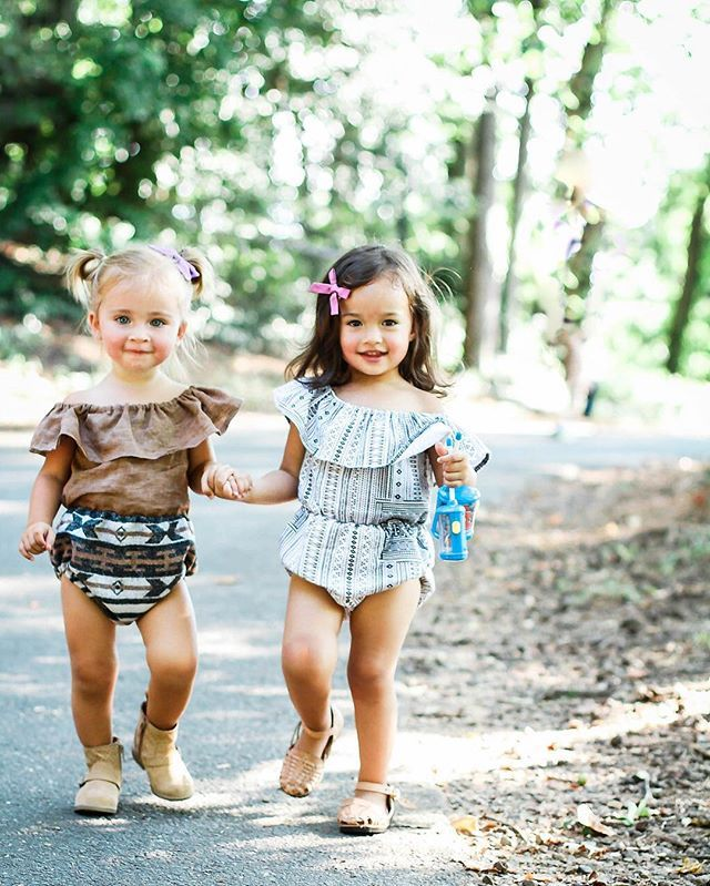 Love these little rompers by LuLu Bunny on Etsy! Get them while you can! // Bow…