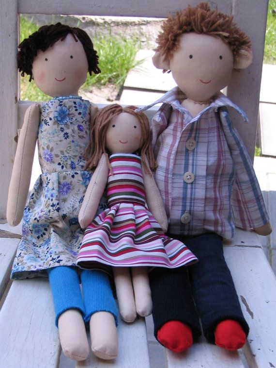 Custom personalized family rag dolls. Mother father and daughter rag doll by apacukababa. Gift idea. https://www.facebook.com/ApaCukababa
