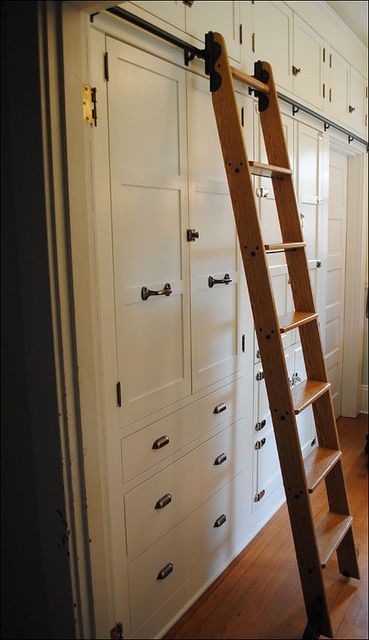 Would love to have this wall of cabinets in my kitchen or even in the bedroom instead of closets.