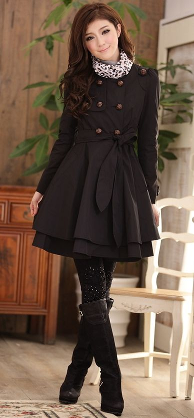 I love the way the Japanese style trench coats accentuate the waist and hips to compliment the figure <3