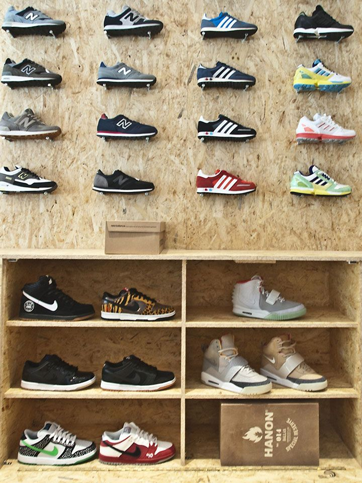 Shoe store_ Suppa shoe store by DLF PRODUCTDESIGN, Stuttgart store design