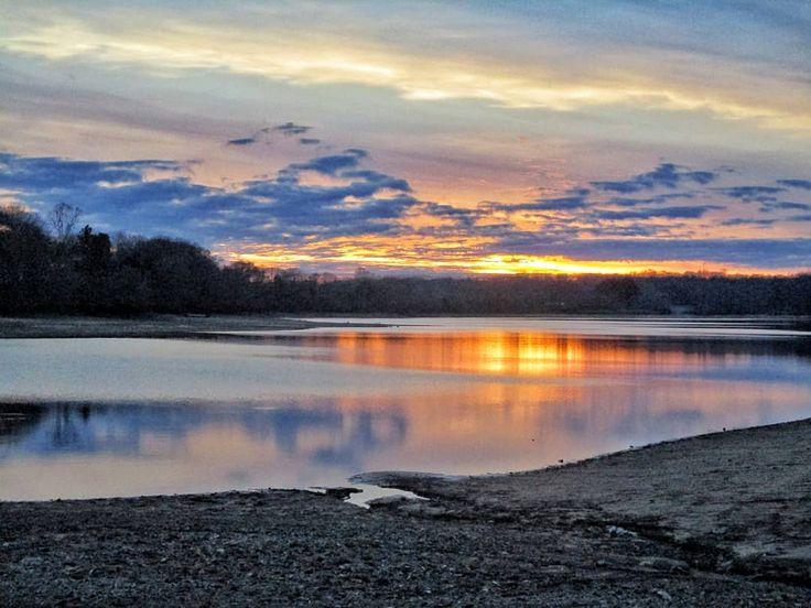 The clouds look like mountains  . . #timsfordlake #lakeview #midtn #lakeside #reflection_shotz #estillsprings #tennesseesunset #sunset_lover #sunset_madness #sunsetlovers #sunset_hub #sunsetsniper #chasingthegoldenhour #lovenature #nature_perfect_day #horizonline #solohike #livelifeoutside #hikingislife #tnstateparks #nationalparks #ventureout #canonpowershot #canonphotography #mycanonstory #visualwanderlust #adventurethatislife #themountainsarecalling #cloudz_delight #cloudscape