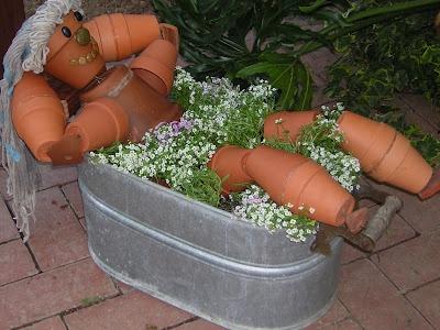 bathing pot people   creative container garden art