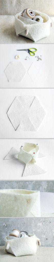 Felted decorative basket  http://irinascutebox.blogspot.com/2012/06/felted-decorative-basket-tutorial.html