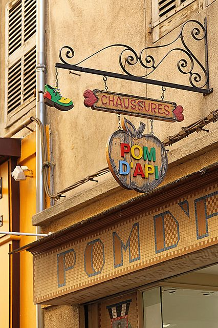 pretty store fronts aix en provence france signs. Black Bedroom Furniture Sets. Home Design Ideas