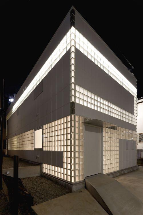 Crystal Brick by Yasuhiro Yamashita, Japan