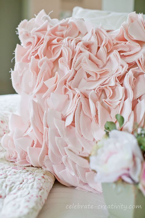 DIY Shabby Chic Ruffle Pillow Tutorial