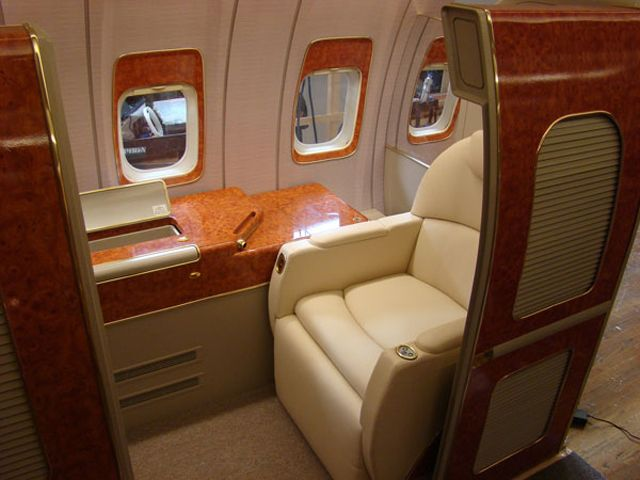 how to get upgraded on international flights