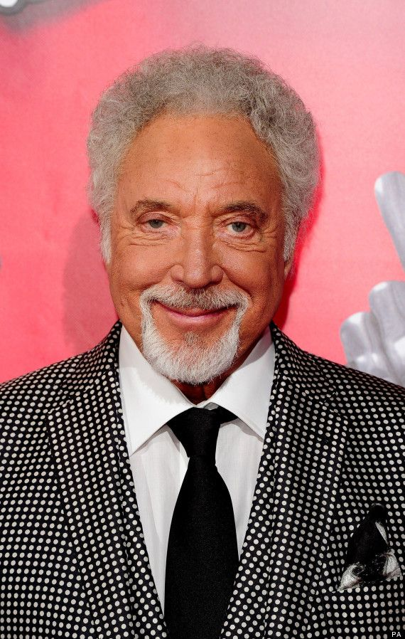 Tom Jones - One of the Greatest Enterainers, Ever! He's STILL got IT!! ~0;-*