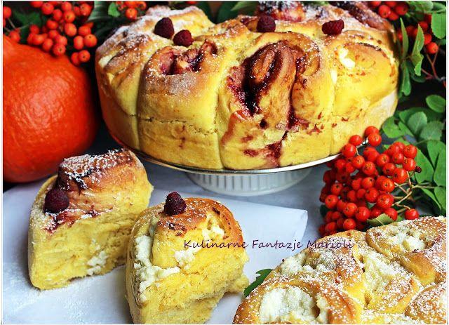 Kulinarne fantazje Marioli: ZWIJANE DROŻDŻOWE BUŁKI DYNIOWE Z SEREM I POWIDŁAMI