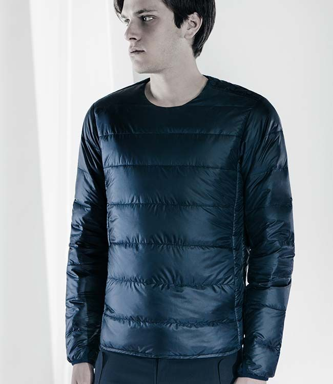 """DIA3678U H.C.S. DOWN L/S PULLOVER SHIRT """"Twin Dome"""" quilt stitching structure -- inspired by the humble sleeping bag."""