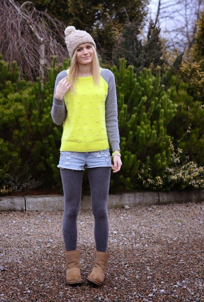 Greyish blue wool tights with denim jeans, lemon green ...