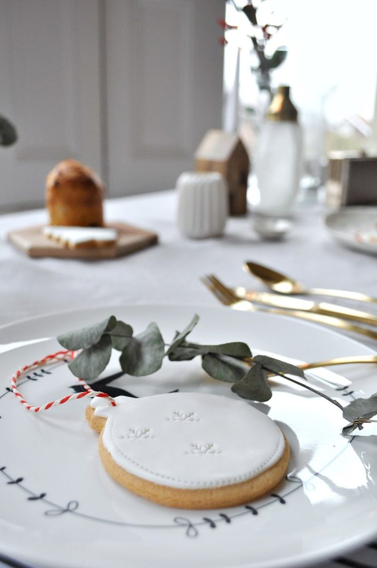 Lori, from Wild & Grizzly, created her dream Scandinavian Christmas in collaboration with notonthehighstreet.com. Read the blog post to find out which products she used to style her home.