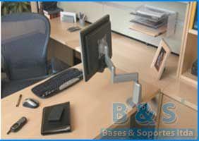Soporte ajustable al escritorio para monitor computador - Brazo Altura graduable frente al computador | Bases y Soportes Ltda