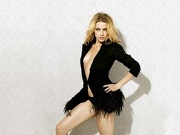 Hot Hollywood Actress Amber Herad Sexy Dress HD Wallpapers Free Download at Hdwallpapersz.net