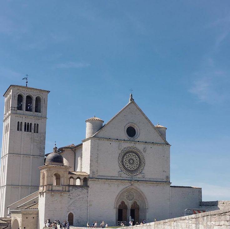 Basílica De San Fransisco de Asís. Con estas fotos te enamoraras de Asis Italia y será el próximo destino en tu lista.