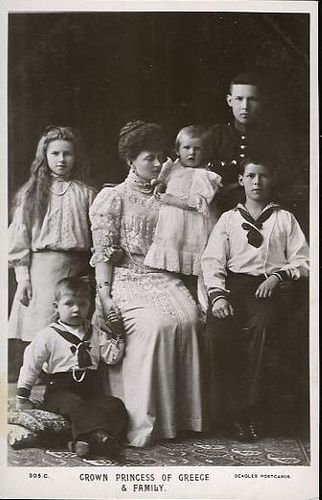Queen Sophia with five of her six children.  LtoR: Princess Helen (standing, later Queen of Romania), Prince Paul (sitting, later King Paul of Greece), Princess Irene (held, later Duchess of Aosta), Prince George (later King George II of Greece), and Prince Alexander (later King Alexander of Greece)