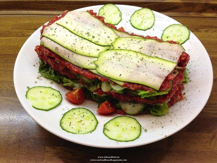 """Rohkost - Rezept für """"Zucchini - Gurken - """"Lasagna"""" mit Kaki - Rote Rüben - Sauce"""" (Vegan, Rohkost, 80-10-10)"""