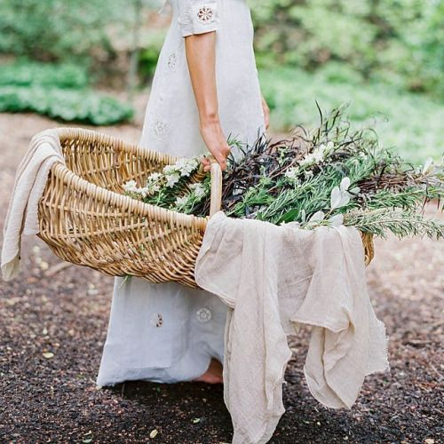 Love this basket, so amazing for forest adventures and picnics