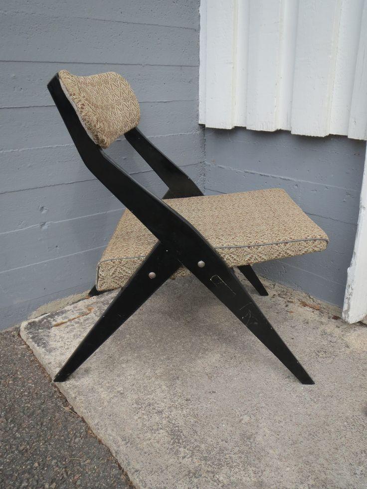 Tyylikäs 50-luvun tuoli, käytön jälkiä, 100 euroa.