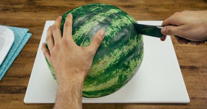 De beste manier om een watermeloen te snijden