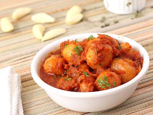 Hot and spicy Gujarati Lasaniya Batata (Garlic Potato Curry).