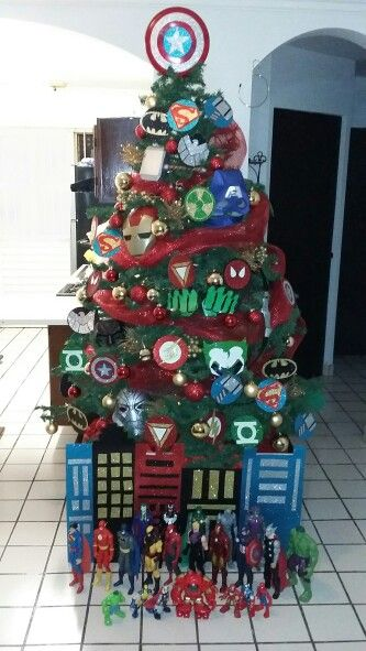 Super heroes christmas tree