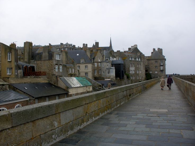 st malo france wwii view of saint malo from the wall. Black Bedroom Furniture Sets. Home Design Ideas